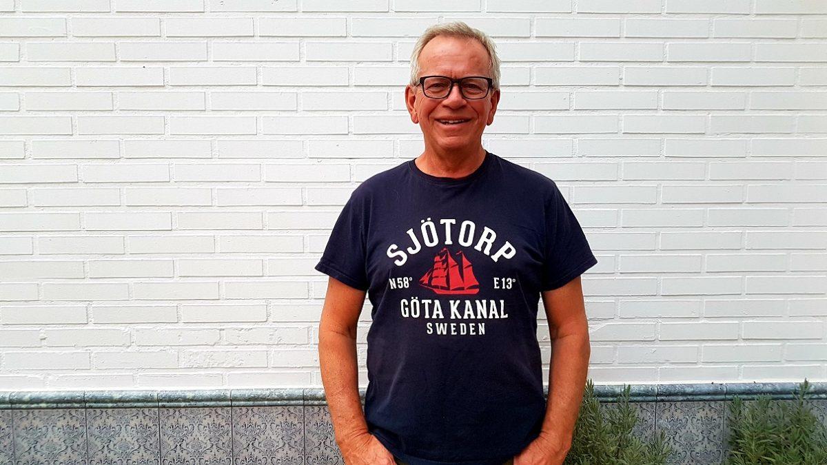 Local Alf som visar dig Sjötorp, Götakanal, Torsö med cykel. Med konceptet Meet the Locals.